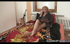 Two delivery men fuck lonely adult woman