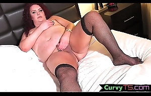 SSBBW shemale jerking their way gumshoe in stockings