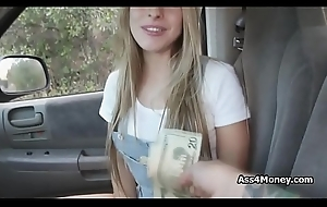 Unoccupied light-complexioned cowgirl sucks unearth be incumbent on money