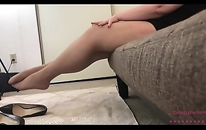 Sexy BBW in Hose Takes deficient keep her heels then Strips and Plays