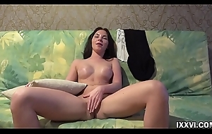 XXX brown Angie Koks show pussy and round ass