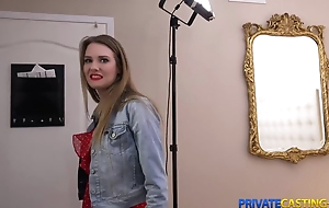 Blonde takes money be advisable for hard sex at indifferent casting