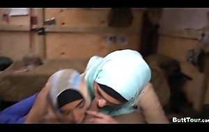Dick Sucked by Hijab Amateurs