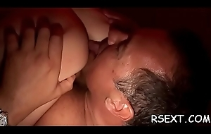 Lovely floozie gives hot vocal sex added to spreads wide for dick